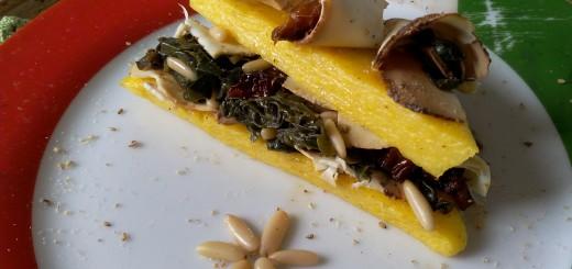 Tramezzini di polenta con erbette, pinoli e ricotta affumicata, senza glutine