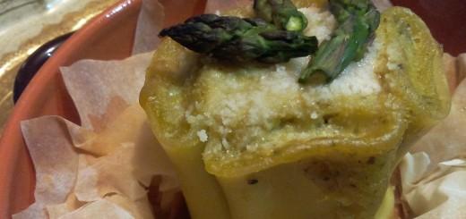 Paccheri in piedi in salsa alla rucola con ripieno di asparagi e ricotta di capra